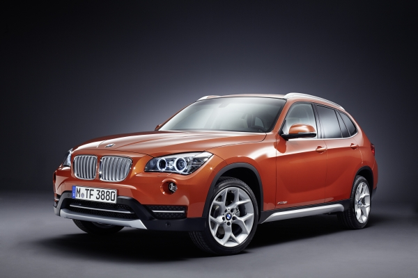 2013 BMW X1 USA Debut sDrive28i and xDrive35i Pricing