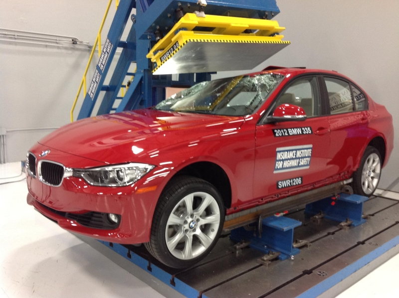 Crash Test: 2012 BMW 3 Series F30 IIHS Top Safety Pick