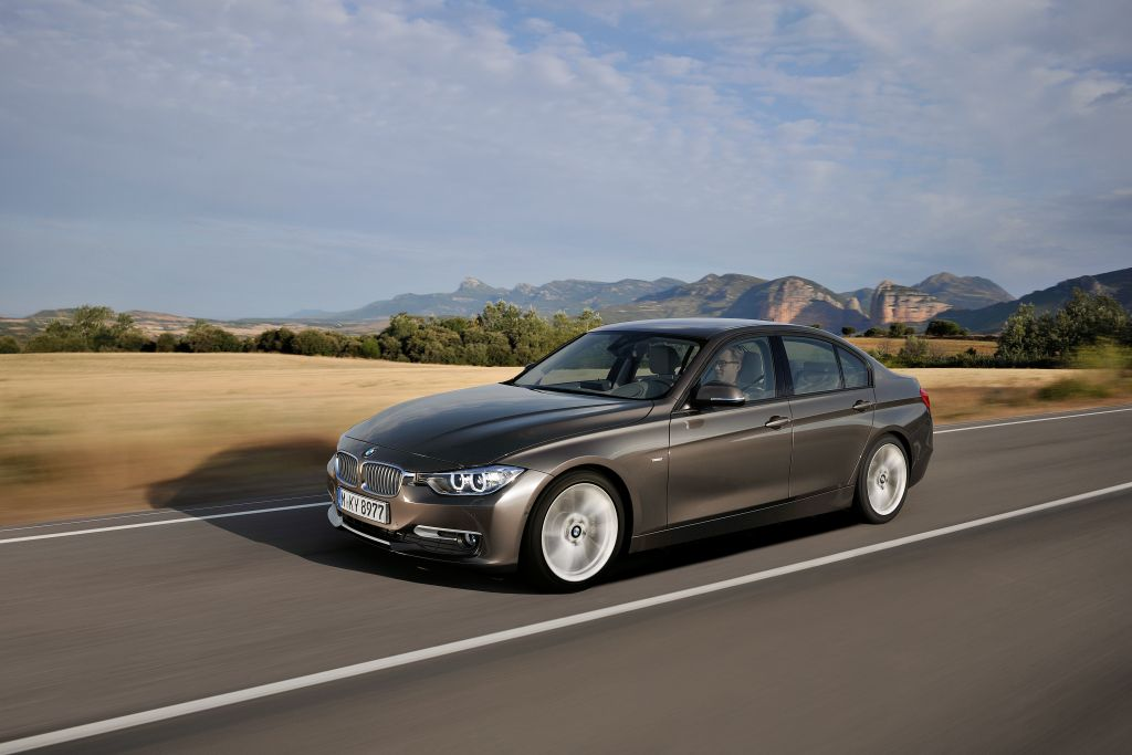 Specifications: 2013 BMW 335i xDrive Sedan Specs F30