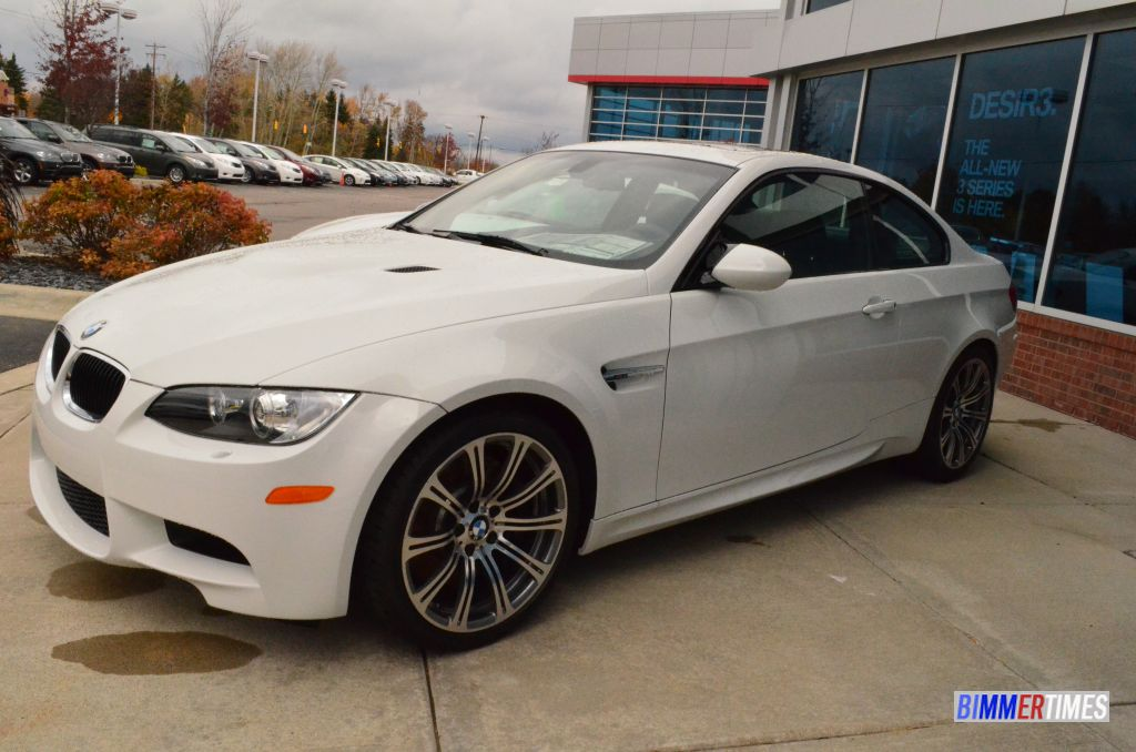 VIDEO: Side-by-Side 2013 BMW F30 328i xDrive Sport Line and E92 M3 and F30 328i Luxury Line